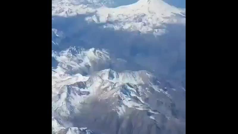 Эльбрус и Кавказский хребет из самолета🗻✈ 🎬@francesco trampatori Эльбрус и Кавказский хребет из самолета🗻✈