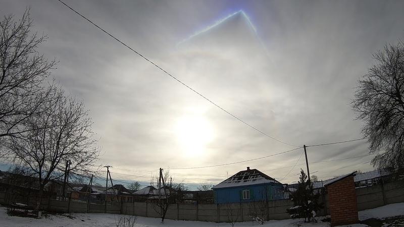 ОГРОМНАЯ пирамида над Украиной светится синим светом реальное видео!