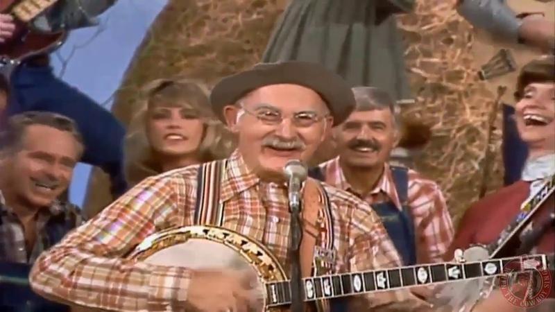 Grandpa Jones, Roy Clark,Roni Stoneman And Buck Trent live on Hee Haw