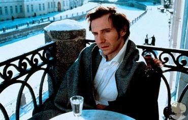 """Прекрасного и недооцененного """"Онегина"""" (1999 года) сняла режиссер Марта Файнс."""