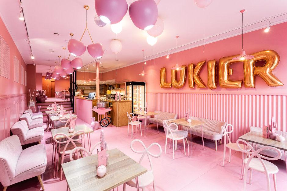 Вишенка на торте: розовое кафе в Лешно