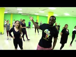 Стиль afro danc от emmanuel + дайте волю своему телу в metro fitness уфа сипайлово