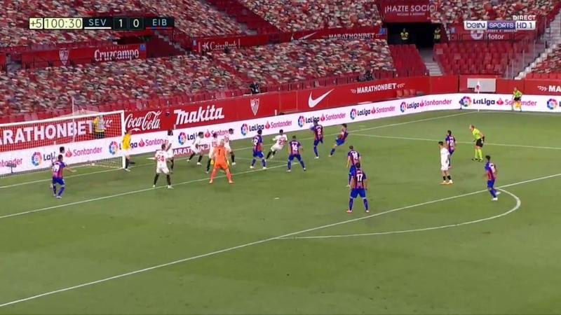 Lucas Ocampos save as a goalkeeper Sevilla vs Eibar 1-0