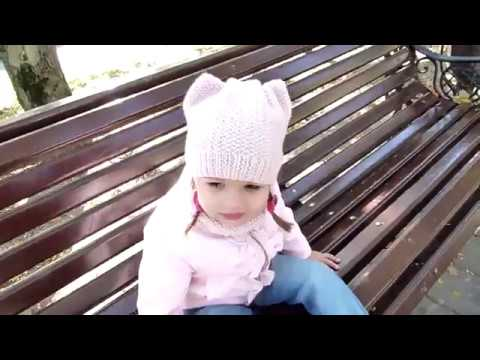 Детская шапка с ушками и снуд спицами children's knitted snood and hat