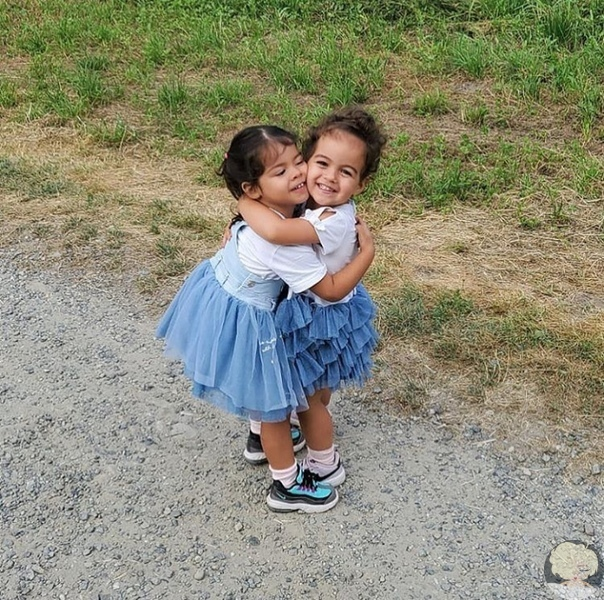 Роналду только что опубликовал фото своих дочерей у инстаграм
