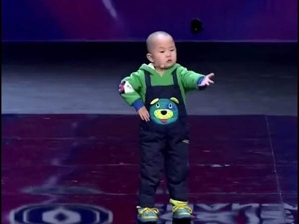 Смешное видео как дети танцуют из разных стран Попробуй не улыбнись это нужно увидеть