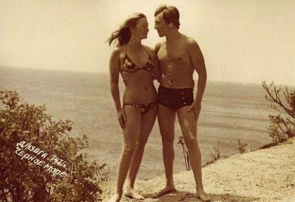 Владимир Высоцкий и Марина Влади в Джубге, 1971 год...