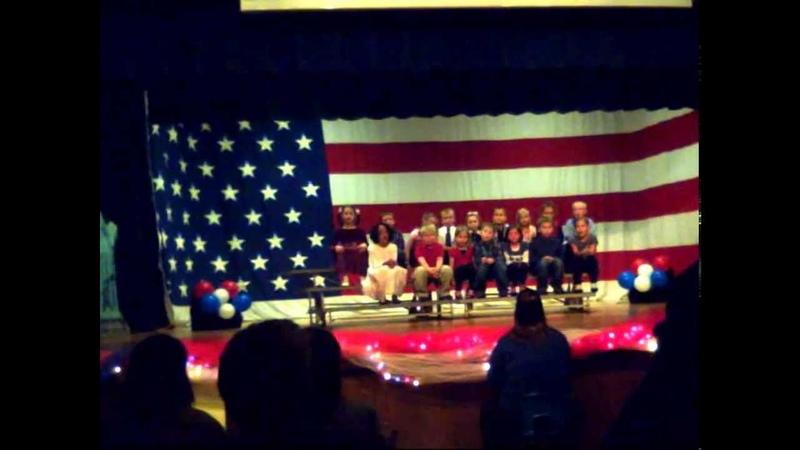 Национальный гимн США, поют дети - школьное выступление