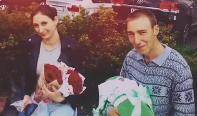 «Хоронить будут в закрытых гробах»: что же случилось с вмиг умершими молодыми родителями
