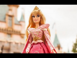 First Look at Disney Store's Limited Edition Sleeping Beauty Aurora Doll