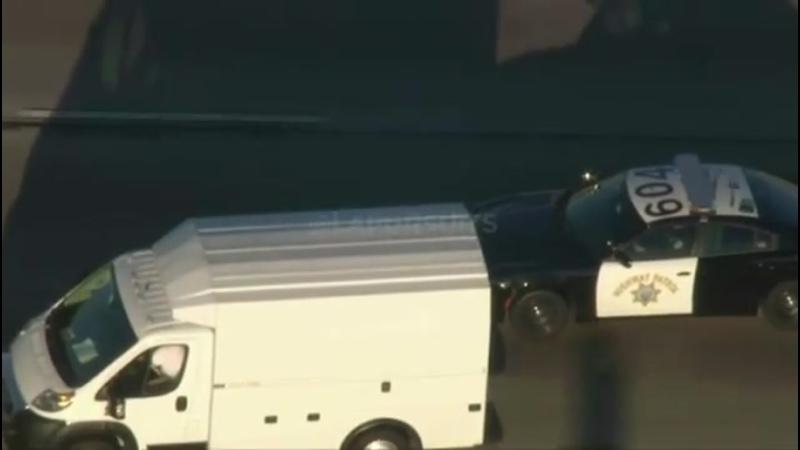 Погоня CHP за белый фургоном заканчивается после применения PIT