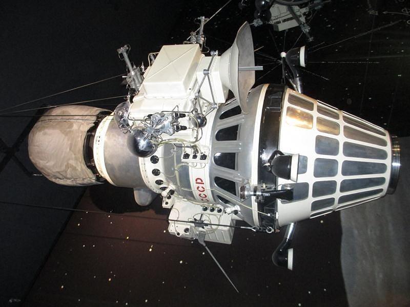 55 лет назад, 31 марта 1966 года, был осуществлён запуск первого искусственного спутника Луны: с космодрома Байконур была запущена ракета «Молния-М»