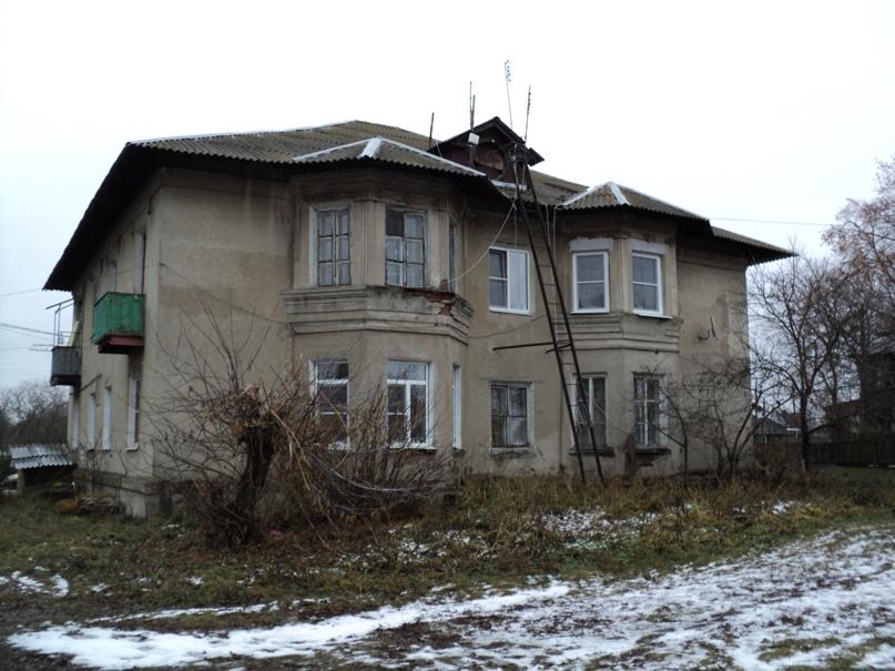 Типовая советская жилая архитектура 50-х годов в Белоомуте., изображение №11