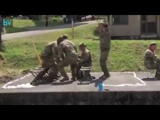 Реалистичная тренировка по погрузке в вертолёт.
