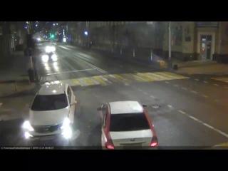 Такую аварию камеры ЕДДС сняли вчера рано утром