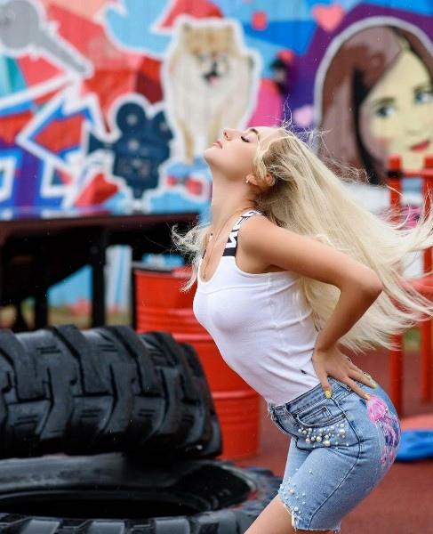 Мария Давидова ушла с проекта Дом2