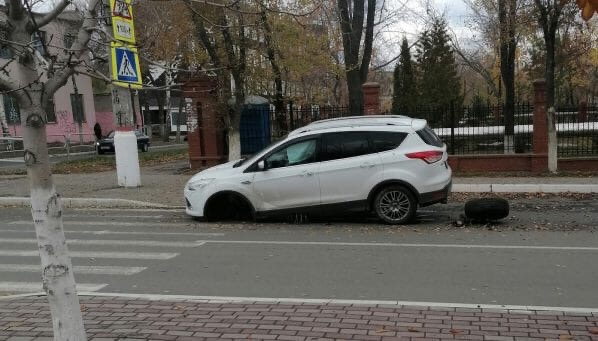В Новокуйбышевске у Форда оторвало колесо⚙️Происше...