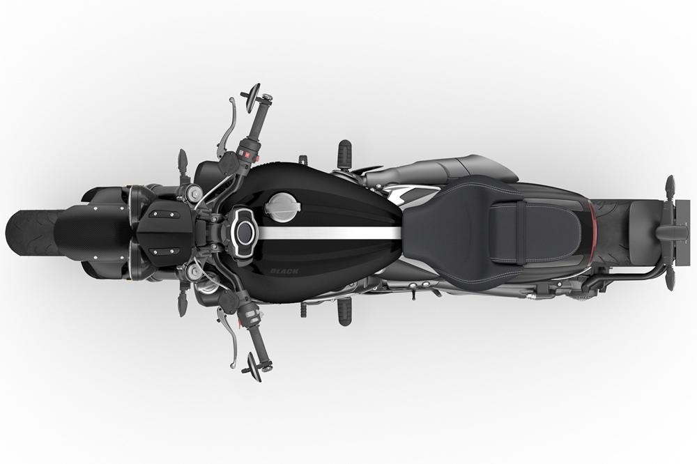 Лимитированные версии Triumph Rocket 3 R Black / GT Triple Black 2021