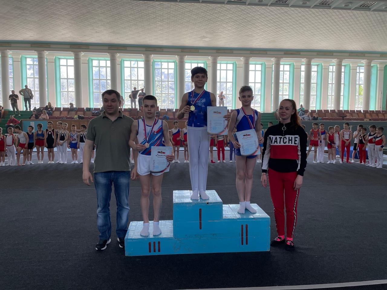 В Донецке прошли соревнования по спортивной гимнастике среди юношей