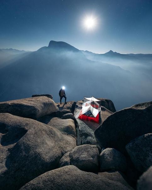 Йосемитский национальный парк в полнолуние
