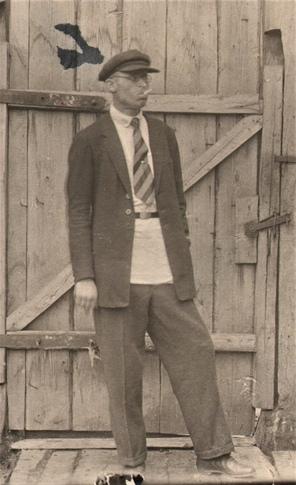 Морозов Алексей Константинович, бухгалтер Чёрмозского завода, 1936 год. Фонды Чёрмозского музея.