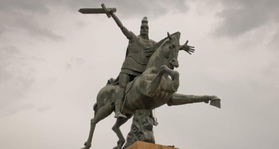 Памятник армянскому полководцу