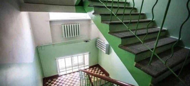 Госстройжилнадзор Якутии поясняет, насколько законны кладовки на лестничных площадках