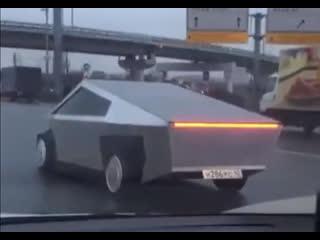 Tesla Cybertruck замечен в Москве