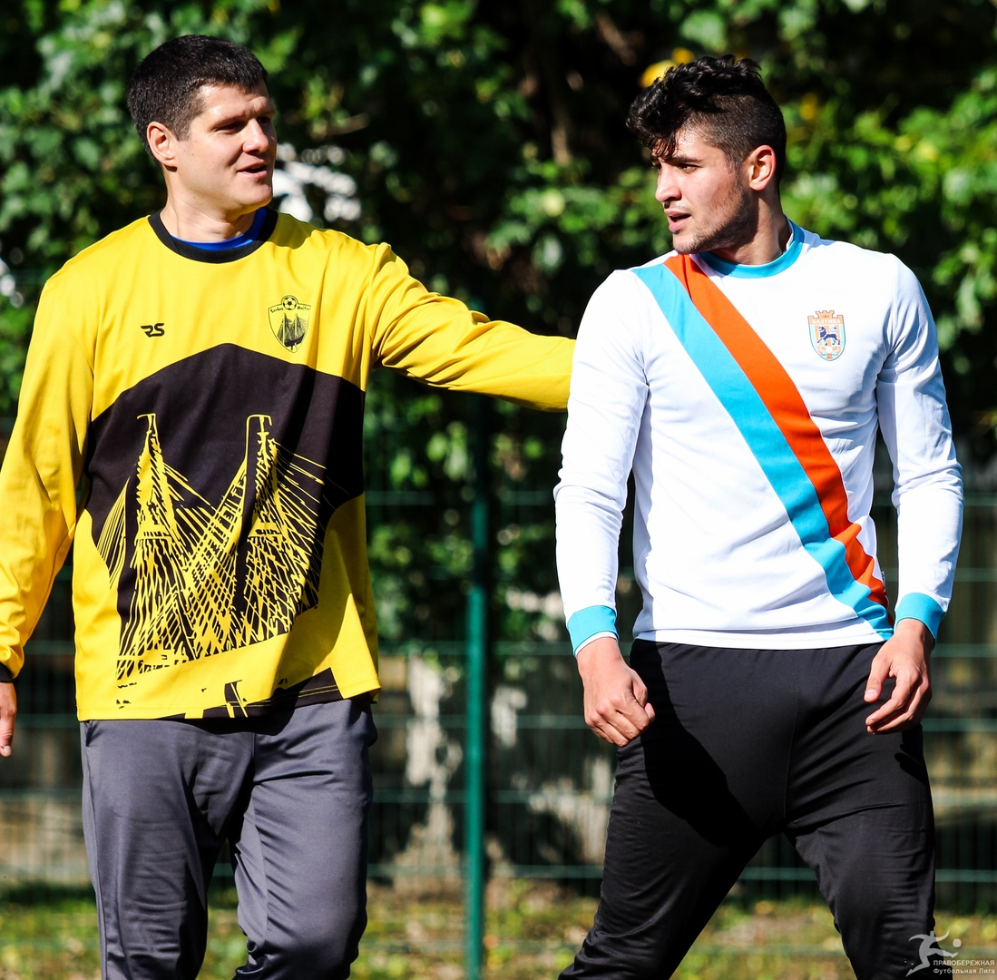 Станислав Сосненко (Совхоз Юнайтед) и Шамиль Тагиев (Балтика)