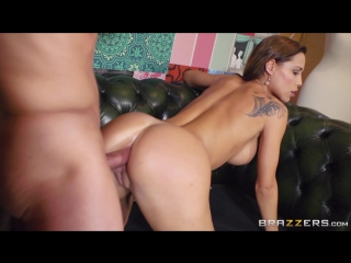 Married beauty with big boobs Satin Bloom gets assfucked in front of her husband_1080p