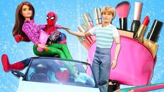 Barbie et Ken se lancent dans l'aventure! La vie secrète des jouets. Vidéo en français pour filles.