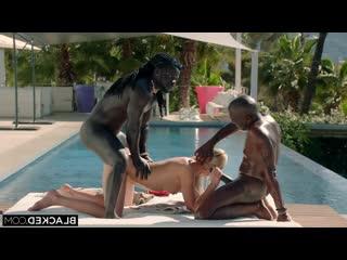 Angelika Grays (Hot Wife Vacation 3) Два негра трахают рыжую во все дырки при муже кайфует от огромных членов в задницу
